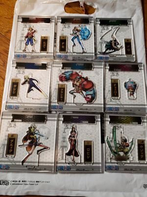 ONE PIECE - ANIME - FIGPIN / KEYCHAIN SET for Sale in Placentia, CA