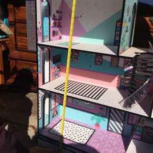Lol Doll House With Accessories for Sale in Broken Arrow, OK