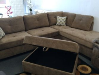 BROWN COUCHES for Sale in Fresno,  CA