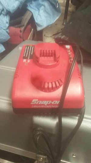 Snap-on battery charger for Sale in Long Beach, CA