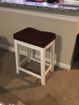 """Set of 2, 24"""" Dark Red & White Counter Top Stools for Sale in Ashburn, VA"""