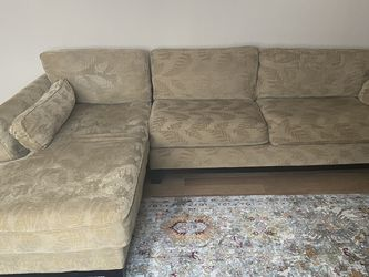 La-Z Boy Sectional for Sale in Cleveland,  OH