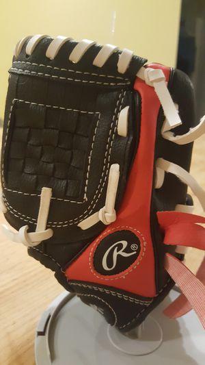 Kids baseball glove size small for Sale in Chandler, AZ