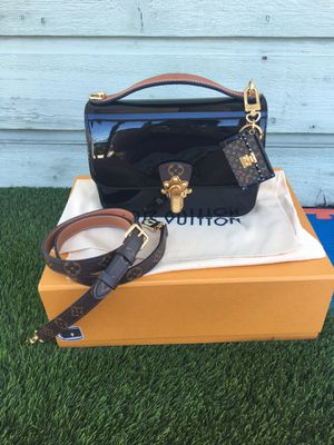 Louis Vuitton cherrywood with charm for Sale in San Diego, CA