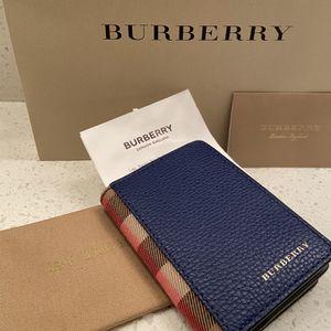 Burberry / Gucci / Louis Vuitton for Sale in Phoenix, AZ