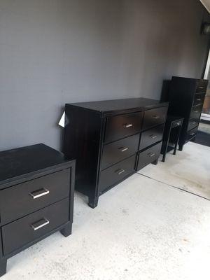 Black bedroom dresser set for Sale in Shoreline, WA