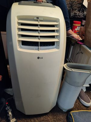 LG portable air conditioner for Sale in Bakersfield, CA