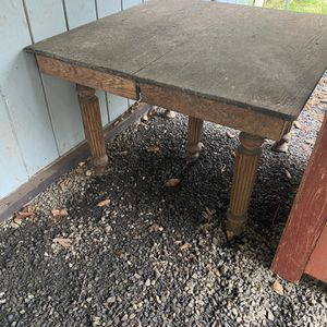 Free Table for Sale in Aberdeen, WA
