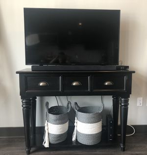 TV Stand / Console Table for Sale in Nashville, TN