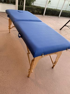 massage table for Sale in Winter Haven, FL