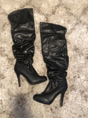 Women's over the knee boots size 7 for Sale in Fort Leonard Wood, MO