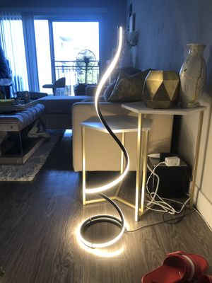 """Modern led floor lamp. Brand new. Never used 38"""" tall. Dimmable for Sale in Los Angeles, CA"""