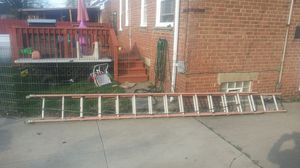 32ft ladder good condition rope still good for Sale in Cleveland, OH