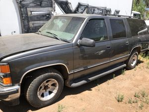 99 Chevy suburban for parts complete only for Sale in El Cajon, CA