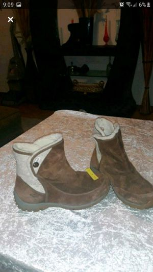 Patagonia boots size 9 for Sale in Modesto, CA