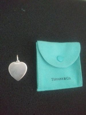 TIFFANY CO HEART 925 PENDANT for Sale in Honolulu, HI