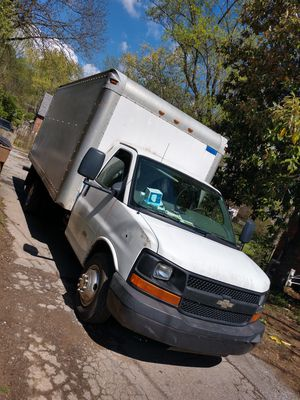 2010 Chevy express 4500 Duramax for Sale in Nashville, TN