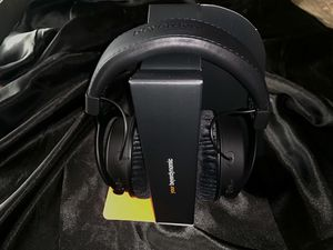 Massdrop x Beyerdynamic Dt177X GO Studio Headphones for Sale in Los Angeles, CA