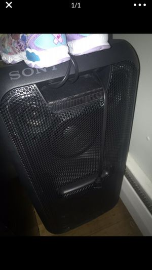 Sony GTK-XB7 for Sale in Paterson, NJ