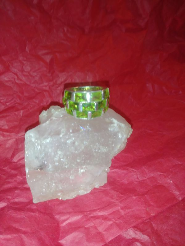 Beautiful Solid Silver W/Manchurian Peridot