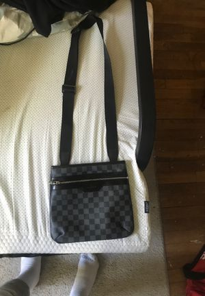 LV messenger bag authentic for Sale in Westerville, OH