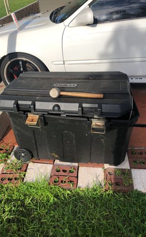 Stanley large tool box for Sale in Orlando, FL