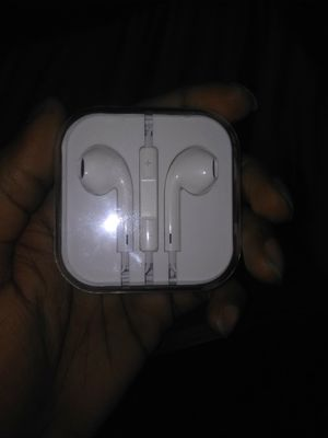 Apple Headphones for Sale in Indianapolis, IN