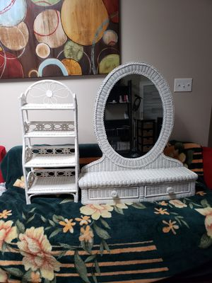 White Rattan Vanity and shelf for Sale in Oviedo, FL