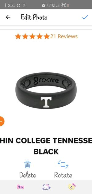 New Groove Womens Size 6 Vols Wedding Band with matching tin ring box for Sale in Murfreesboro, TN