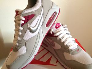 Nike Air Correlate WMNS (Women's Size US 9 / Men's Size US 9) for Sale in Long Beach, CA