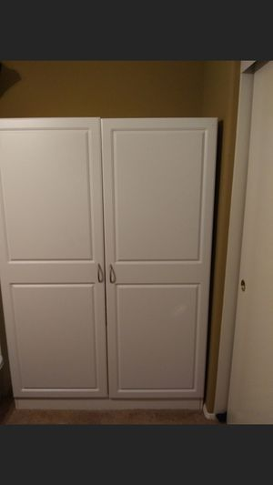 CLOSEST/STORAGE W/SHELVES (LIKE BRAND NEW) for Sale in Westminster, CA
