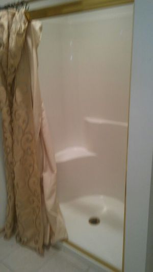 One piece shower for Sale in Cleveland, OH