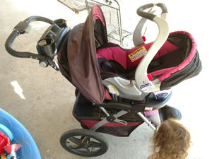 Car seat and Stroller for Sale in Turlock, CA