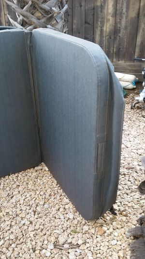 PRICE DROP!! GREY HOT TUB COVER for Sale in Byron, CA