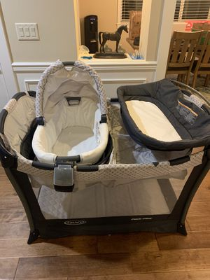 Graco Day2Night Sleep System (PackNPlay, Bassinette, Etc) for Sale in Issaquah, WA