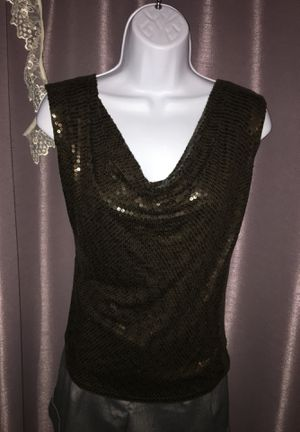 Michael Kors sleeveless shiny scoop neck, sequenced party shirt. for Sale in Luling, LA