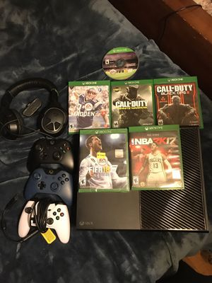 Xbox One Bundle for Sale in Aspen Hill, MD