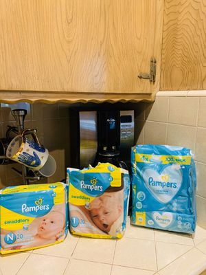 Pampers Newborn and sensitive wipes for Sale in Downey, CA