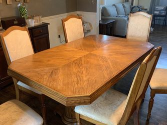 Oak Dining Set With 6 Chairs for Sale in Rochester Hills,  MI
