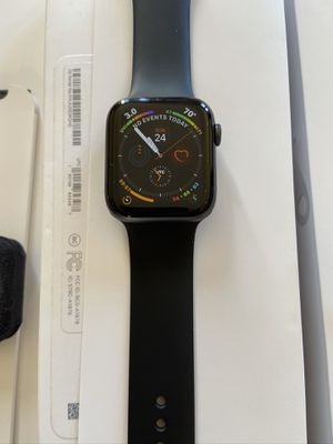 Apple Watch 4 GPS 44mm with extra cases for Sale in Chula Vista, CA