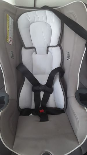 Car seat, almost new. for Sale in San Diego, CA