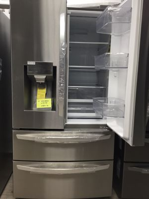 LG Refrigerator - 4-French Door / 27.8 cu ft. $1650 for Sale in La Mirada, CA