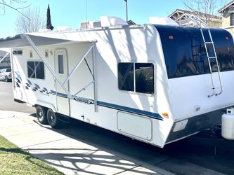 2004 Weekend Warrior Toy Hauler Trailer for Sale in Modesto,  CA