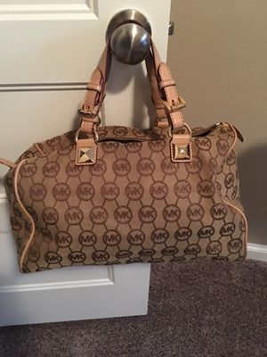 Michael Kors Signature Handbag for Sale in Sunnyvale, TX