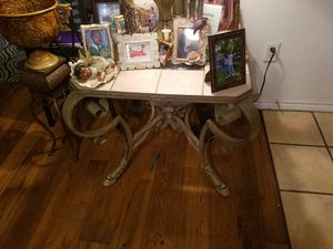 Couch and coffee table and end tables for Sale in Cedar Hill, TX
