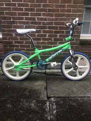 GT PRO PERFORMER [GREEN] Completely Refurbished: 80's STYLE FREESTYLE BMX BIKE! for Sale in Alexandria, VA