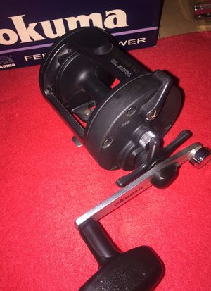 Heavy duty large Okuma fishing reel for Sale in Collinsville, IL