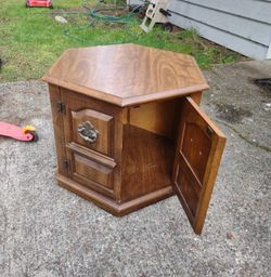 Small END table With storage Compartment Underneath Table for Sale in Olympia,  WA