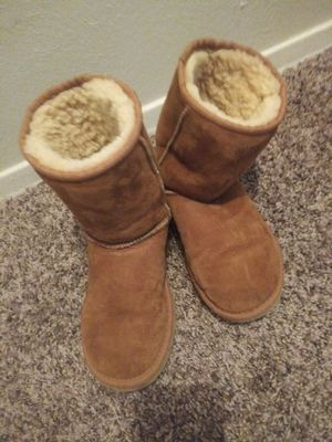 Ugg boots sz 5w for Sale in Dallas, TX
