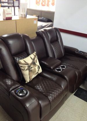 Delangelo love seat for Sale in Atlanta, GA